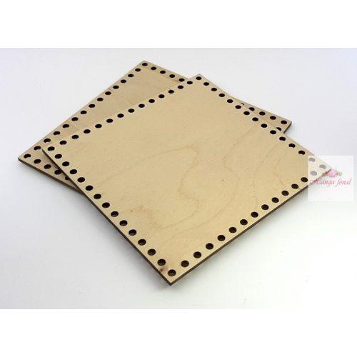 0,5 cm lyuk - Horgolható fa alap NÉGYZET 15,5 x 15,5 cm rétegelt falemez